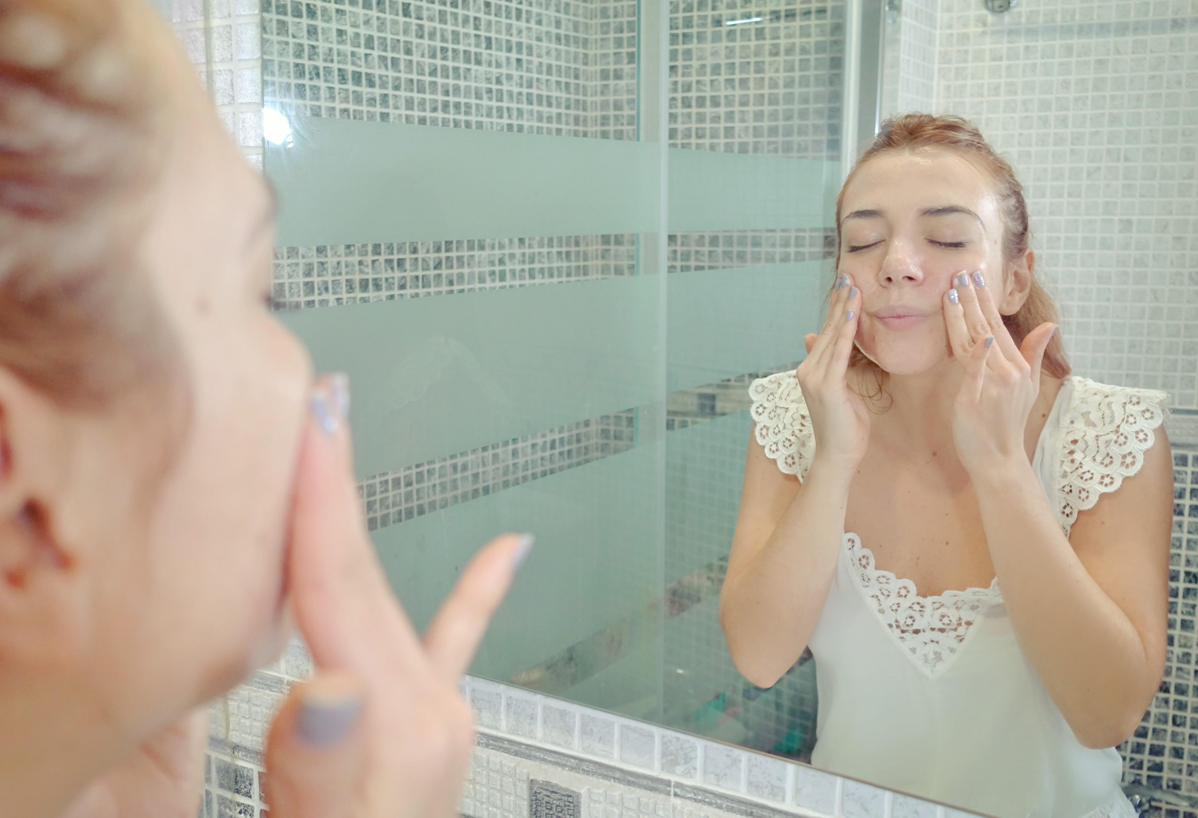 Tratamiento-para-controlar-el-acne-Eucerin-Dermopure-ChicAdicta-blog-de-moda-influencer-Chic-Adicta-mejorar-piel-grasa-PiensaenChic-Piensa-en-Chic