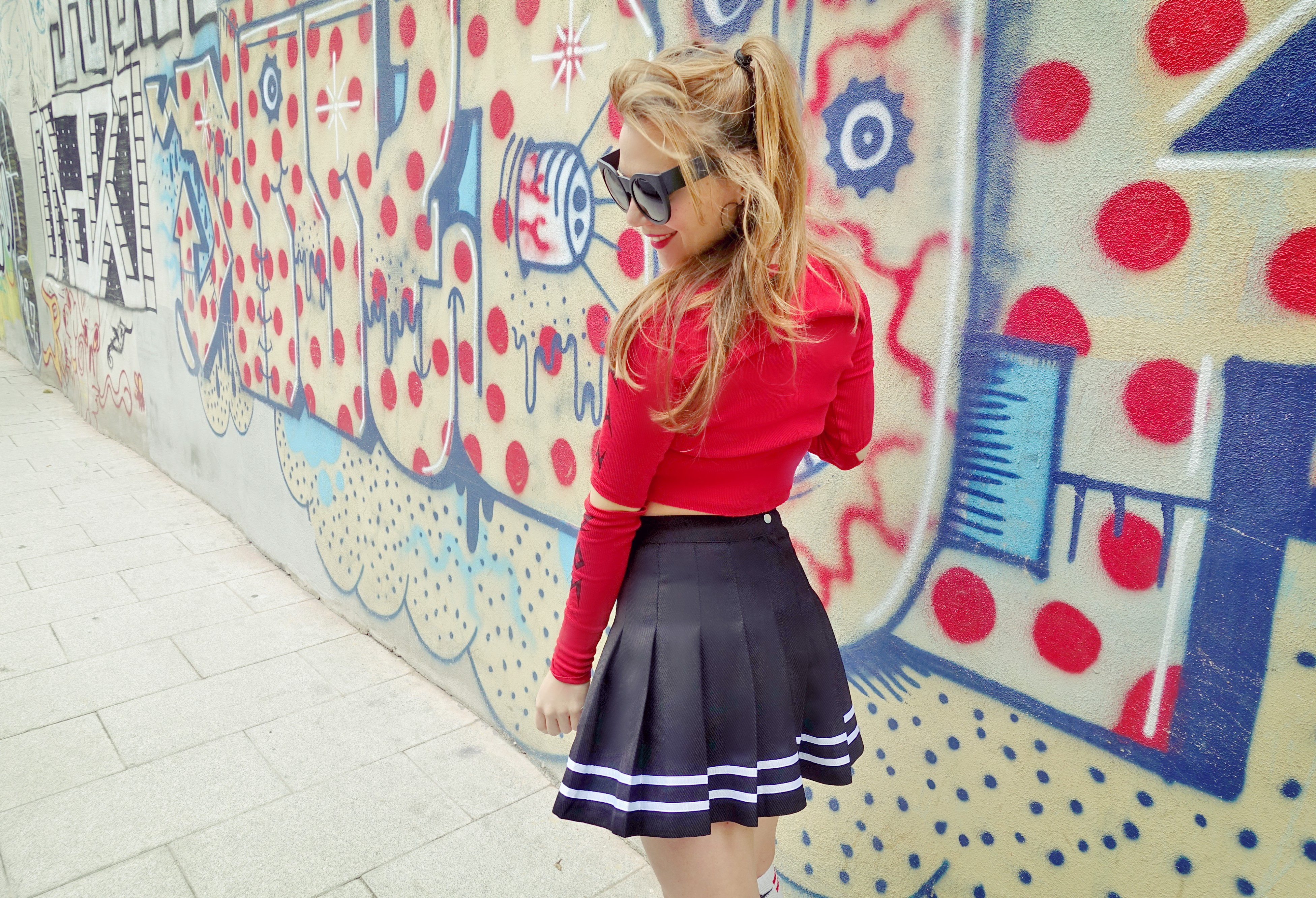 ChicAdicta-influencer-Madrid-blog-de-moda-fashionista-PiensaenChic-falda-cheerleader-hm-Chic-adicta-Piensa-en-Chic