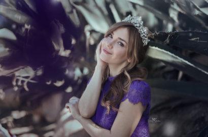 ChicAdicta-sesion-de-fotos-fashion-blog-de-moda-Iria-castro-photo-coronas-bonitas-PiensaenChic-Chic-Adicta-purple-dress-Piensa-en-Chic