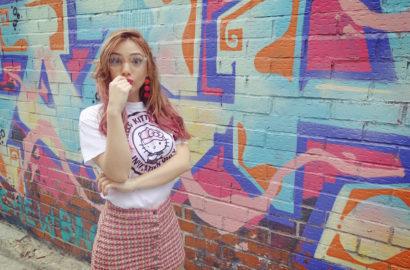 Blog-de-moda-look-rosa-fashionista-ChicAdicta-influencer-Chic-Adicta-falda-pata-de-gallo-PiensaenChic-hellokitty-Piensa-en-Chic