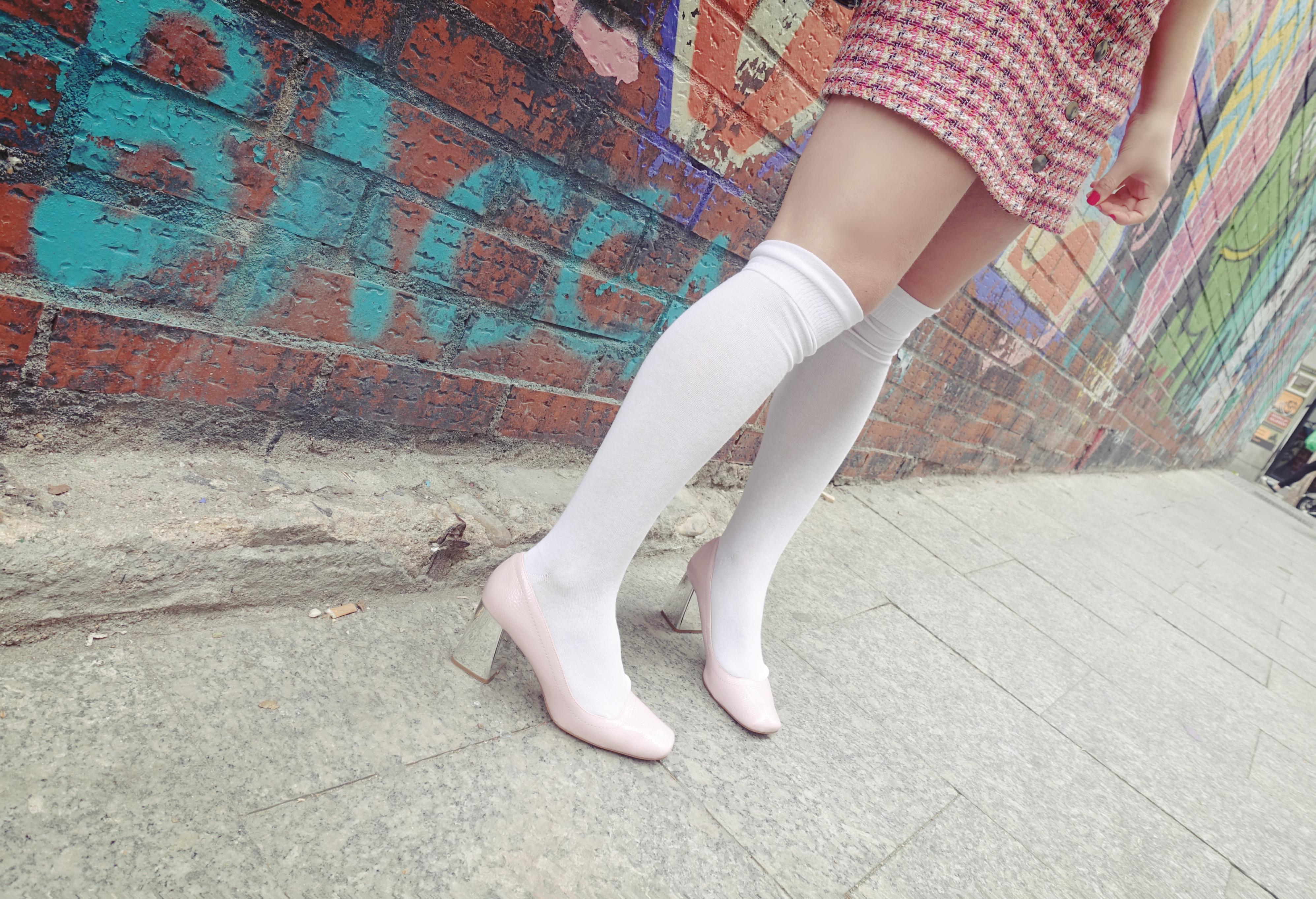 Look-rosa-ChicAdicta-blog-de-moda-Chic-adicta-PiensaenChic-influencer-zapatos-retro-Piensa-en-Chic