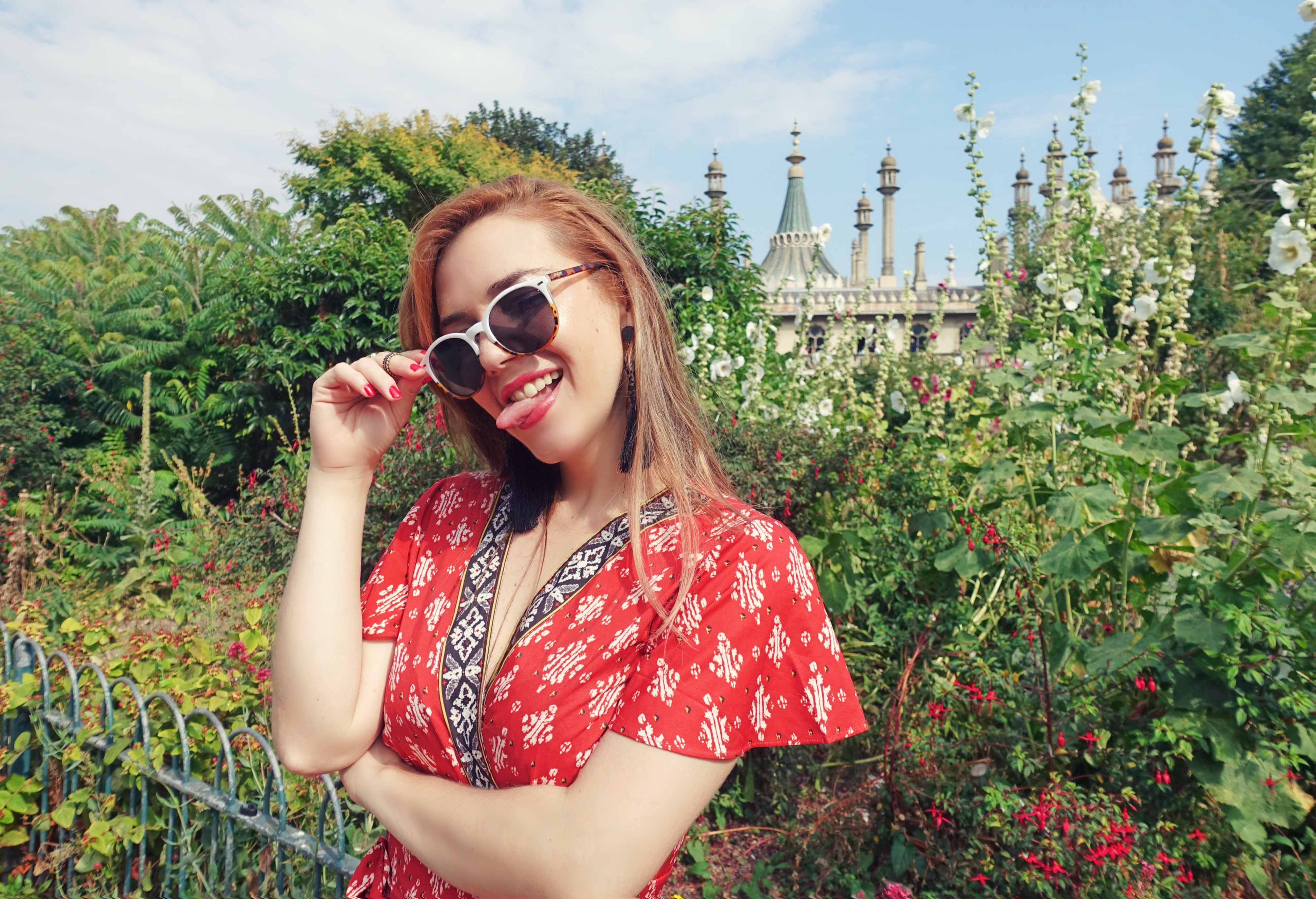 Influencer-spain-ChicAdicta-blog-de-moda-Chic-adicta-PiensaenChic-Royal-Pavilion-brignton-vestidos-estampados-floryday-Piensa-en-Chic