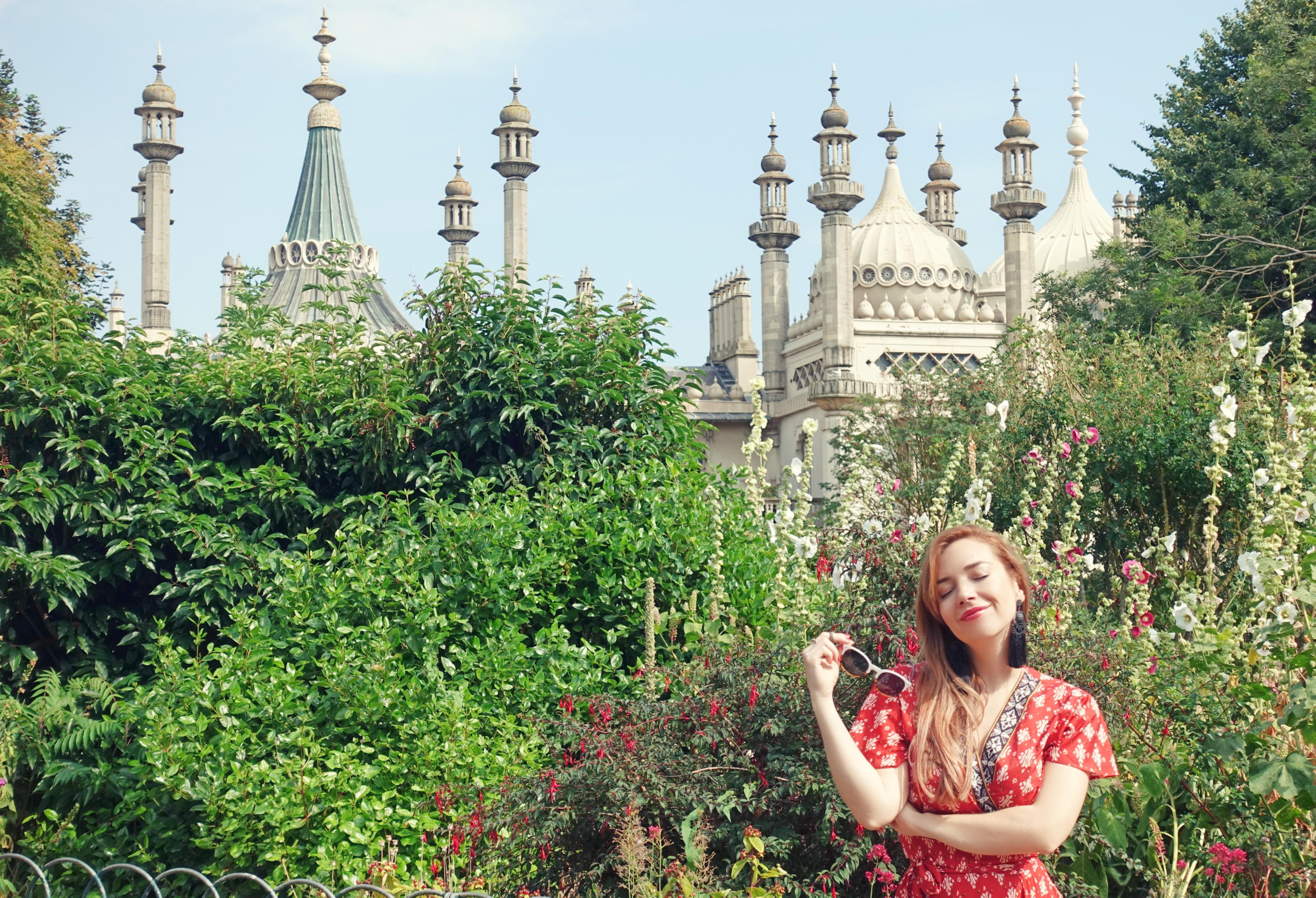 Que-ver-en-Brighton-Royal-Pavilion-fashion-travel-PiensaenChic-influencer-Chicadicta-Piensa-en-Chic-fashionista-Chic-adicta