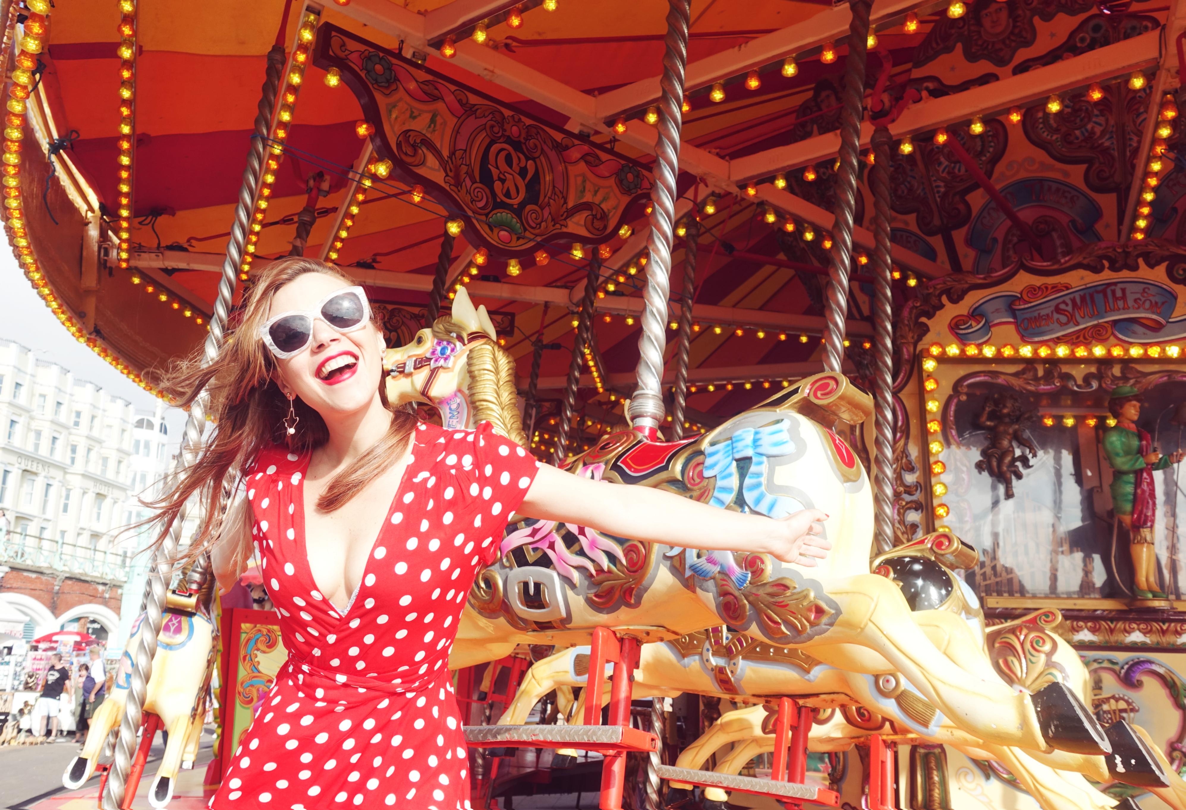 Blog-de-viajes-PiensaenChic-Influencer-ChicAdicta-fashionista-travel-style-Brighton-floryday-dress-blog-e-moda-Chic-adicta-Piensa-en-Chic