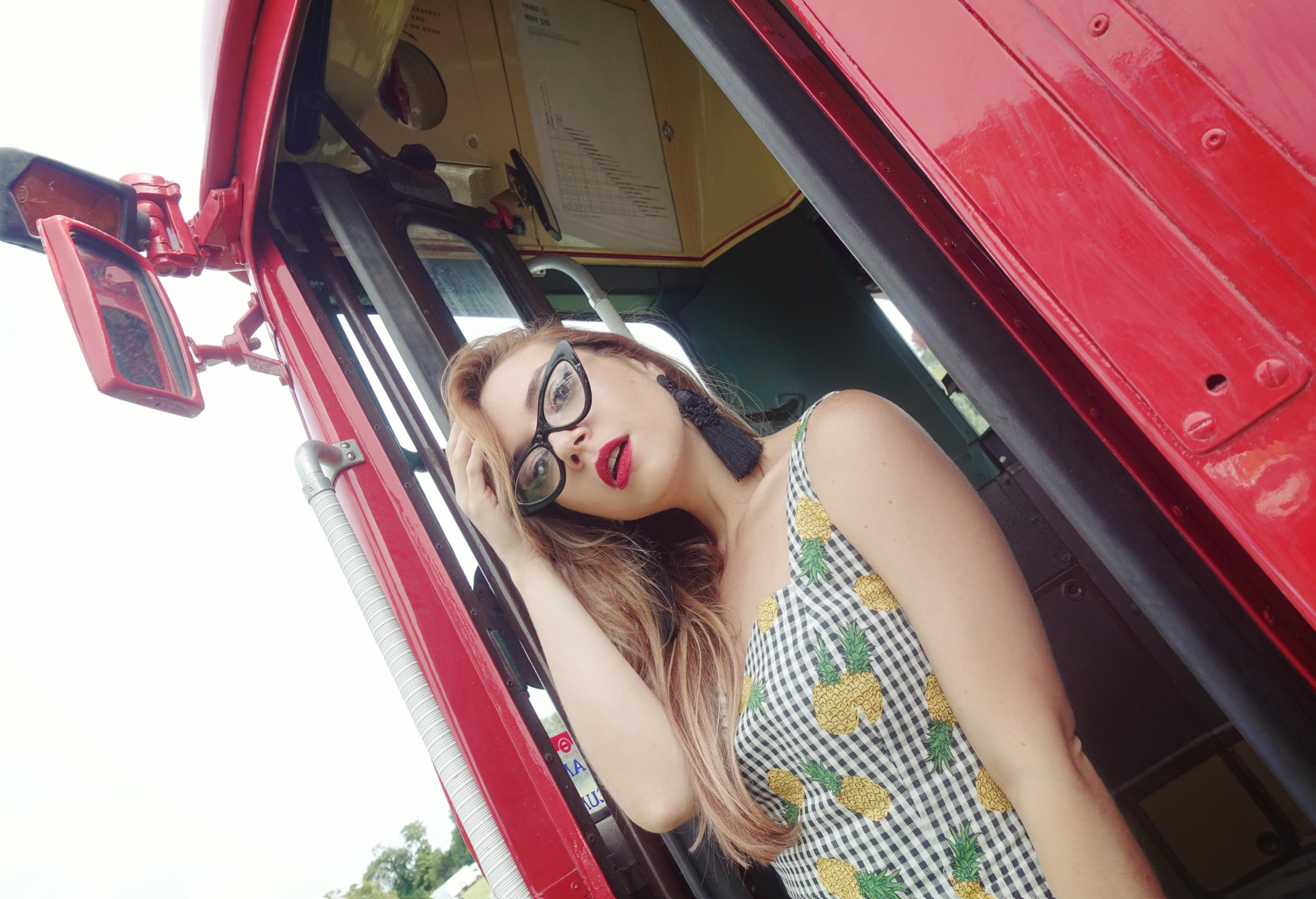 Blog-de-moda-ChicAdicta-influencer-PiensaenChic-london-to-brighton-collectif-vintage-vestidos-de-pinas-Chic-adicta-Piensa-en-Chic