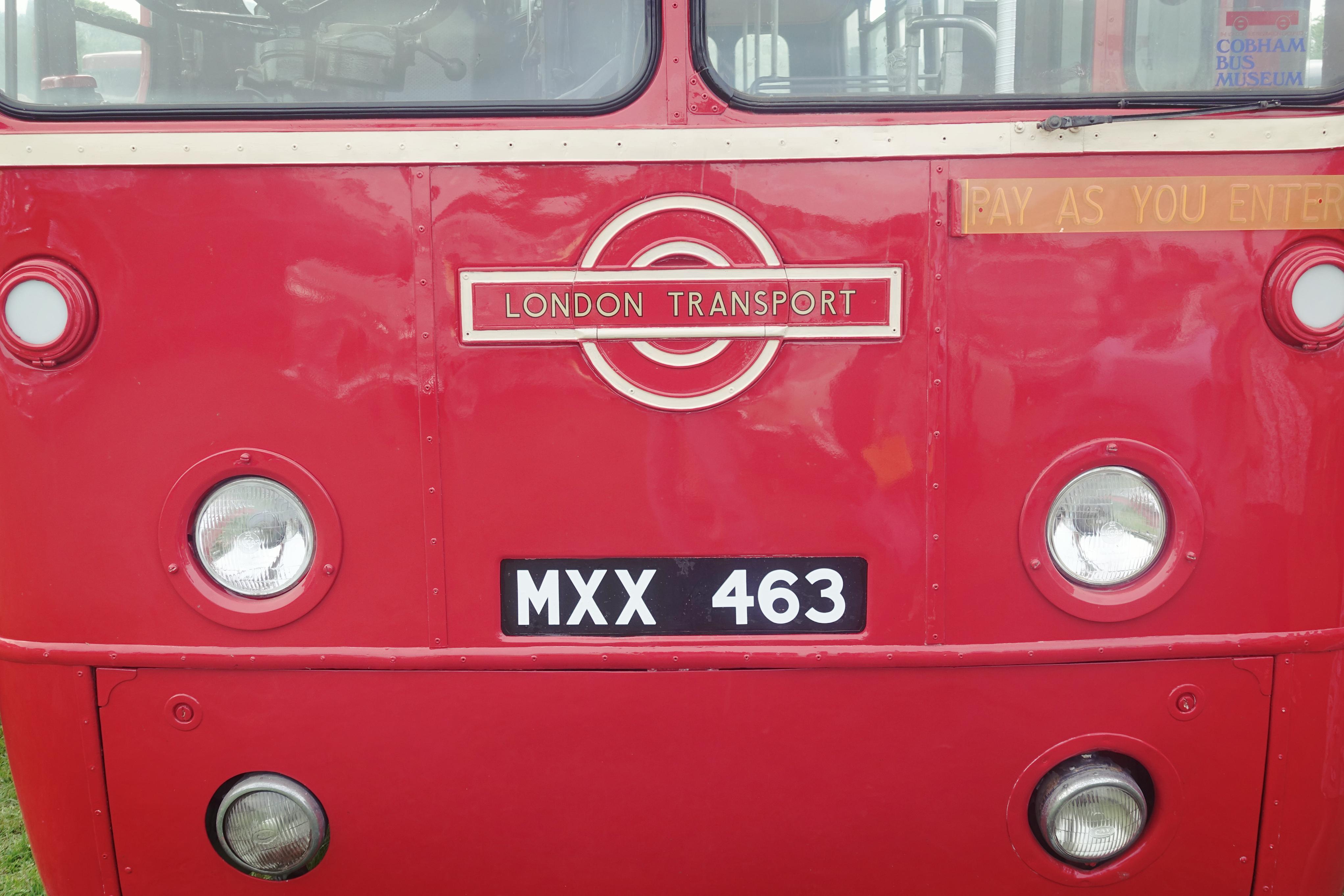 London-to-brighton-blog-de-moda-Chicadicta-PiensaenChic-fashion-travel-que-ver-en-londres-vintage-style-Chic-adicta-influencer-Piensa-en-Chic