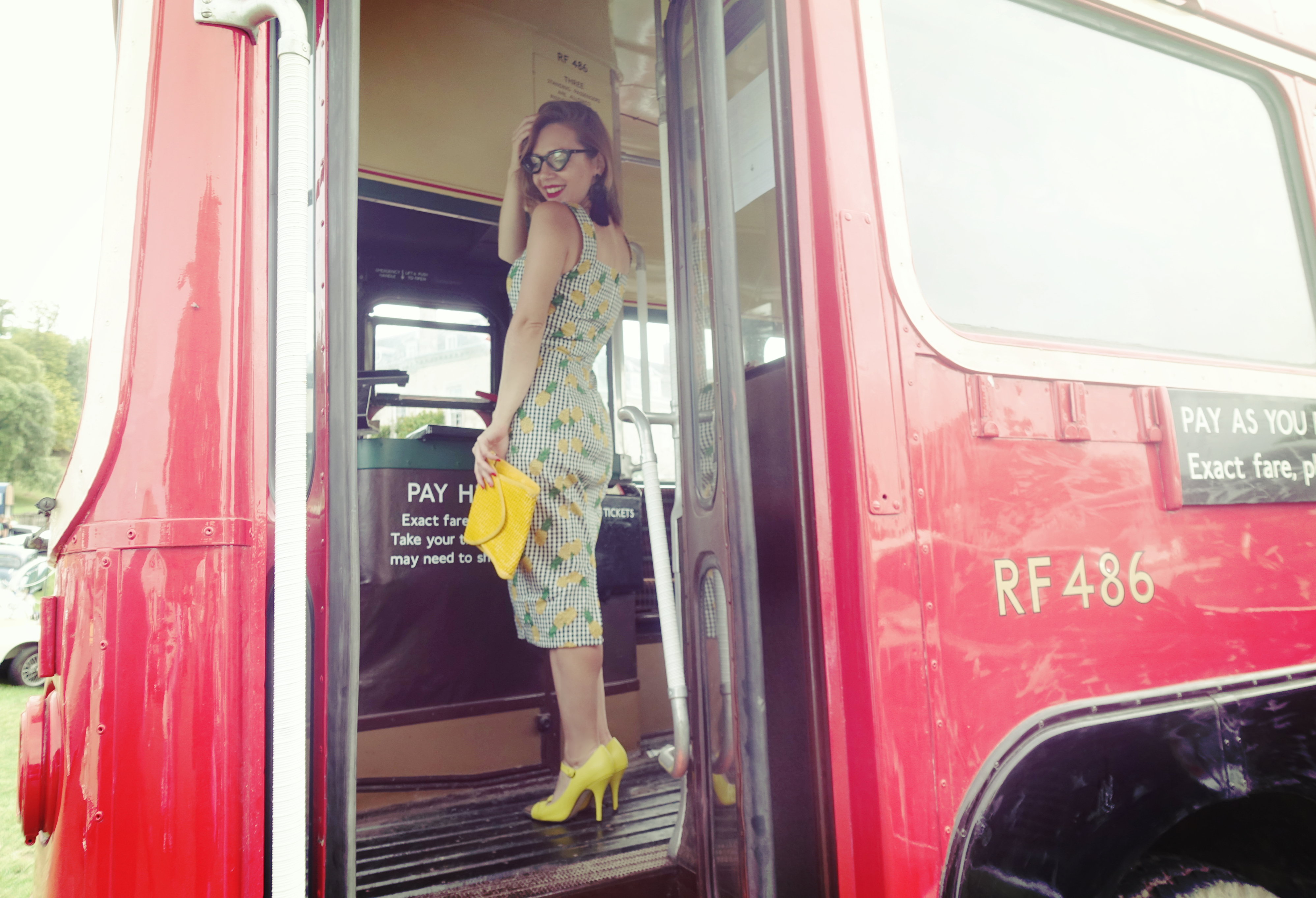 london-to-brighton-PiensaenChic-blog-de-moda-Chicadicta-fashionista-collectif-dress-Chic-adicta-influencer-Piensa-en-Chic