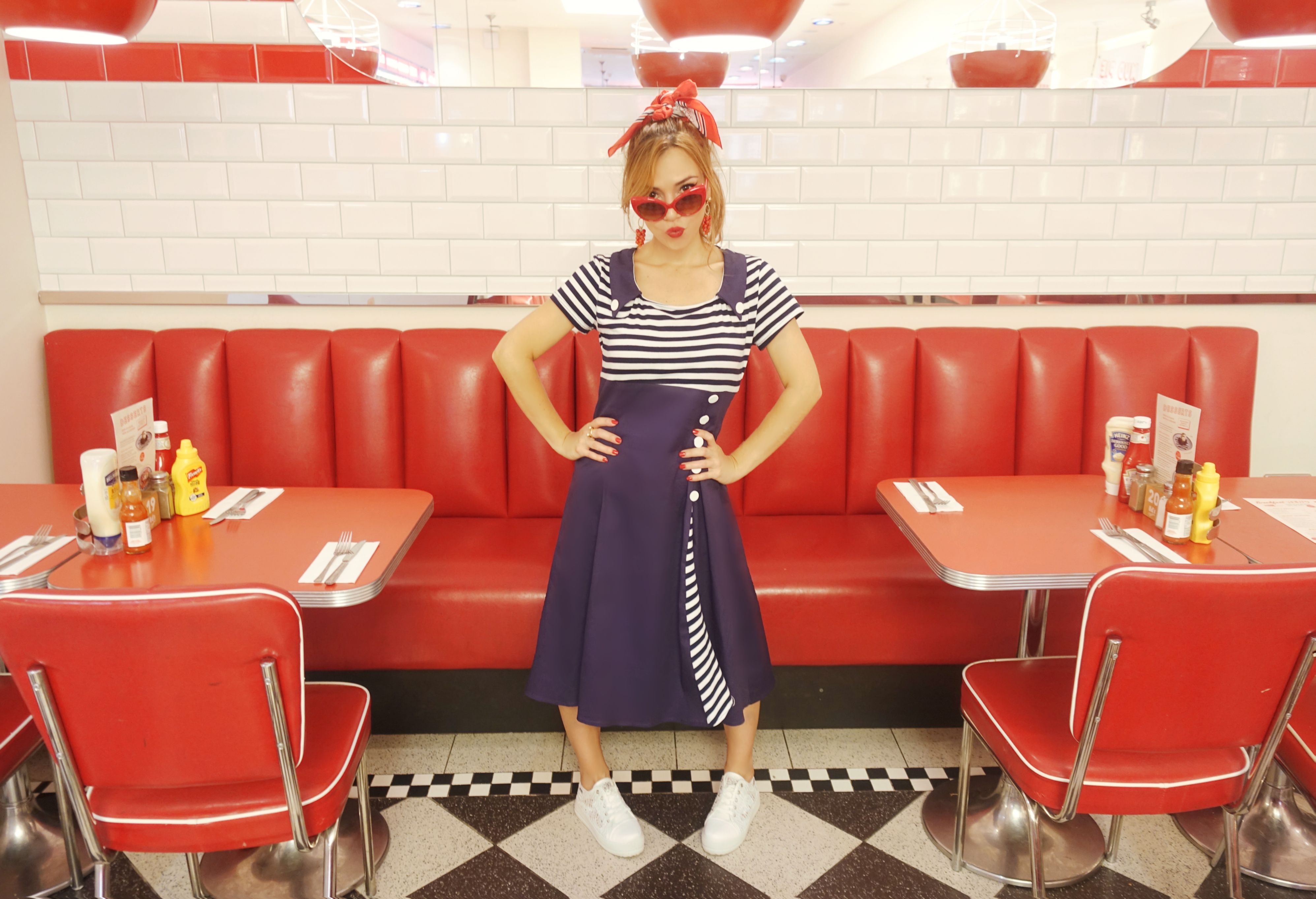 Fashionista-blog-de-moda-Chicadicta-influencer-Piensaenchic-outfit-retro-floryday-Ed's-Easy-Diner-panuelos-vintage-Chic-adicta-Piensa-en-Chic