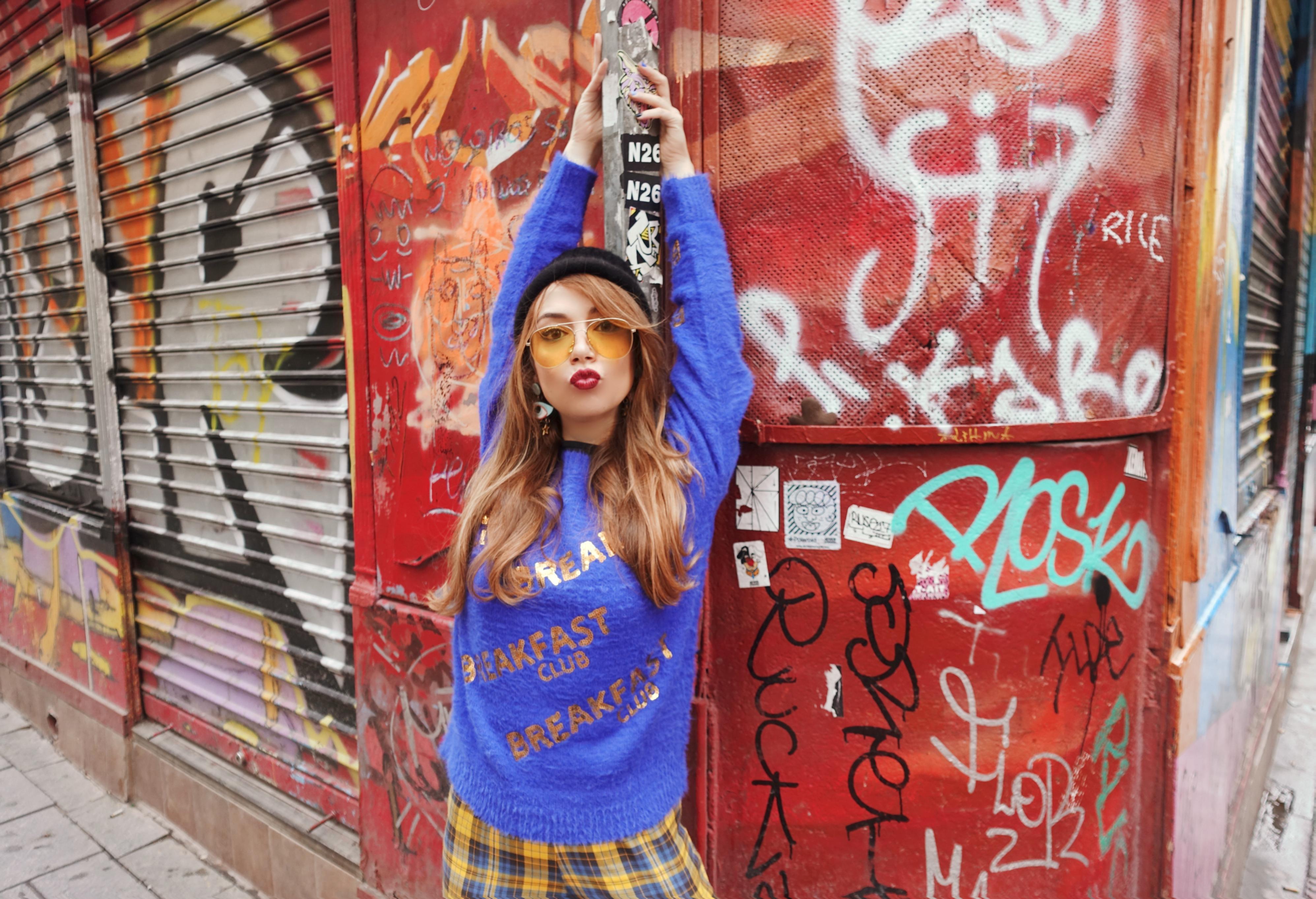 Hipster-look-blog-de-moda-Chicadicta-influencer-fashionista-ropa-molly-bracken-PiensaenChic-pantalones-de-cuadros-trendy-Chic-adicta-Piensa-en-Chic