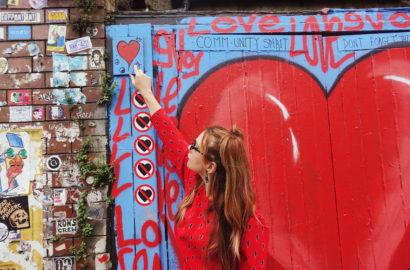 Street-art-london-PiensaenChic-fashionista-Chicadicta-blog-de-moda-influencer-BrickLane-london-travel-fashion-chic-adicta-Piensa-en-Chic