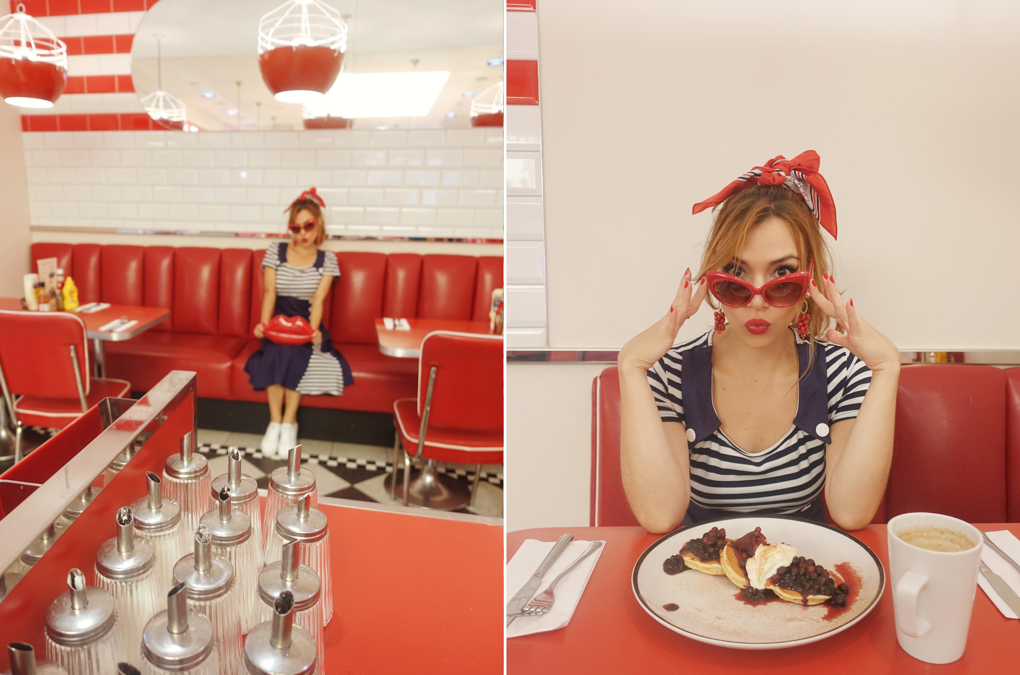 floryday-dresses-PiensaenChic-blog-de-moda-Chicadicta-influencer-fashionista-outfit-retro-Ed's-Easy-Diner-bolsos-de-besos-Chic-adicta-Piensa-en-Chic