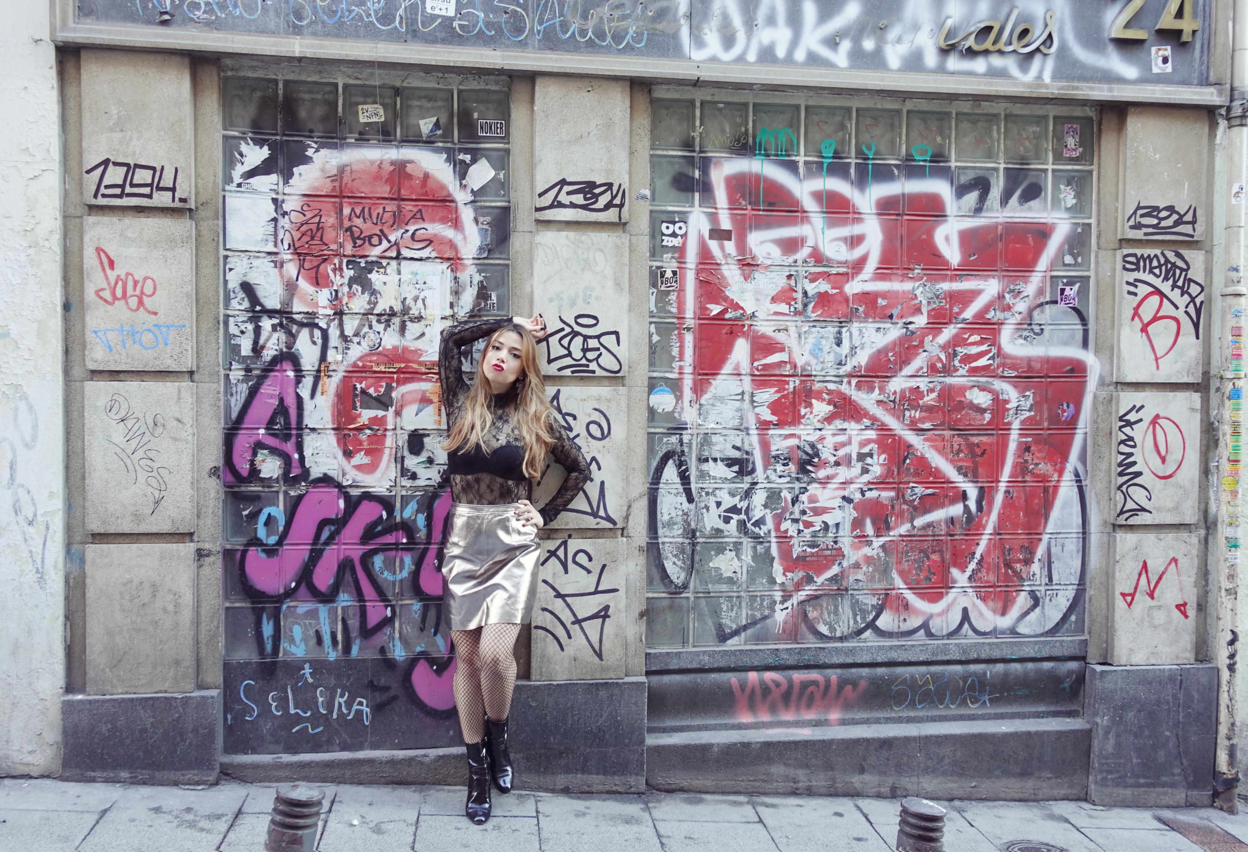 Look-plata-blog-de-moda-Chicadicta-influencer-PiensaenChic-fashionista-Madrid-street-style-mollybracken-Chic-adicta-Piensa-en-Chic