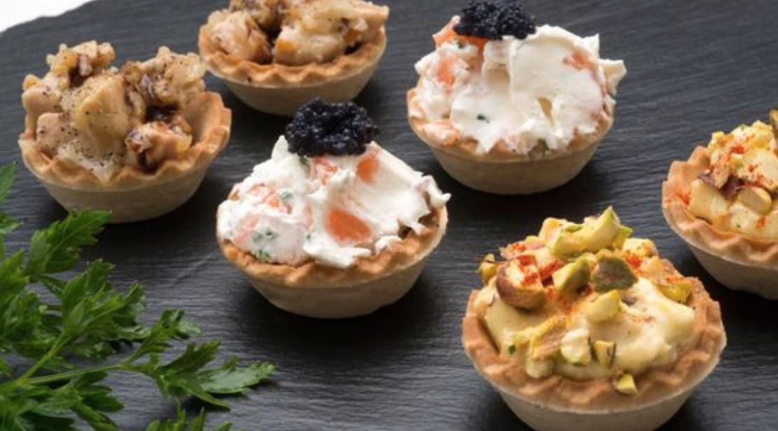 Tartaletas-variadas-aperitivos-faciles-para-navidad-blog-de-moda-Chicadicta-influencer-PiensaenChic-recetas-sencillas-de-navidad-Chic-adicta-Piensa-en-Chic