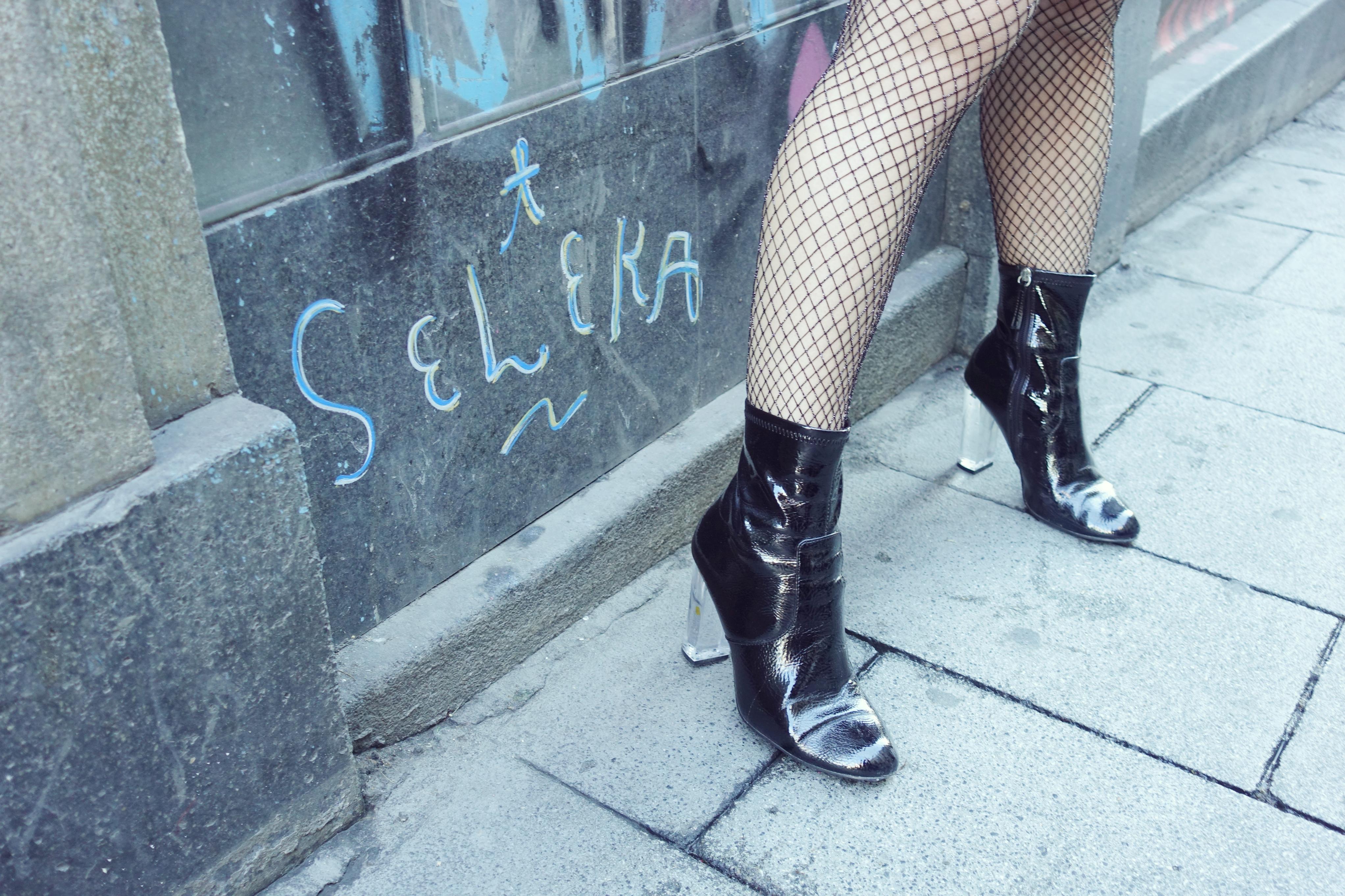 stevemadden-boties-blog-de-moda-Chicadicta-influencer-PiensaenChic-fashionista-botines-negros-Chic-adicta-madrid-fashion-Piensa-en-Chic