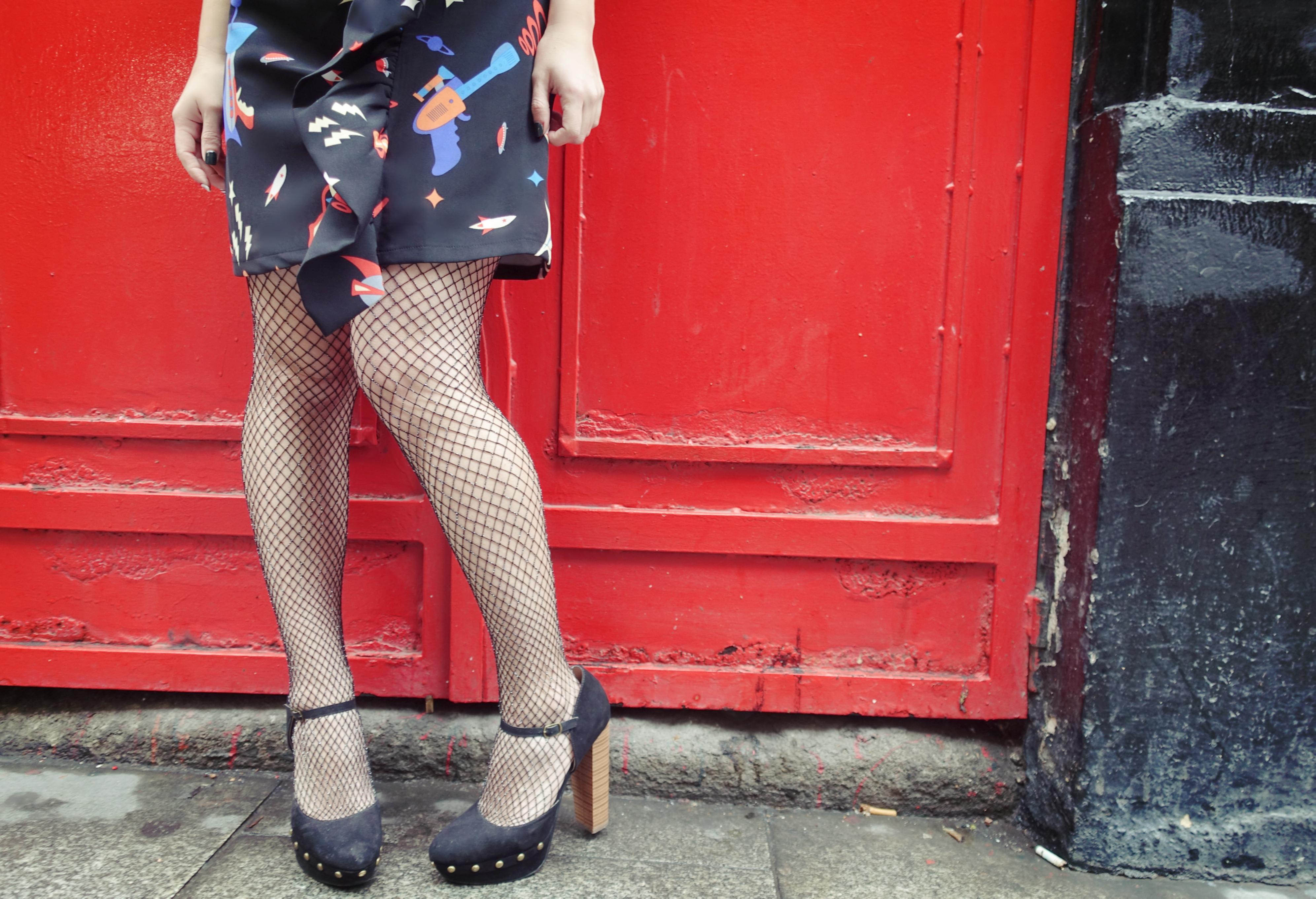 Justfab-shoes-medias-de-rejilla-blog-de-moda-PiensaenChic-infuencer-Chicadicta-zapatos-retro-Chic-adicta-fashion-Piensa-en-Chic