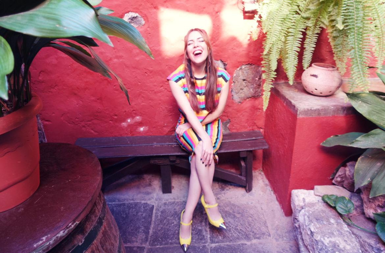 Zapatos-amarillos-blog-de-moda-ChicAdicta-influencer-PiensaenChic-stripes-look-Ana-de-valle-tenerife-moda-Chic-adicta-Piensa-en-Chic