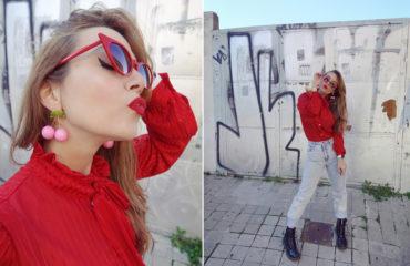 Pendientes-de-cerezas-chicadicta-fashionista-blog-de-moda-PiensaenChic-blusa-roja-gafas-retro-infuencer-chic-adicta-Piensa-en-chic